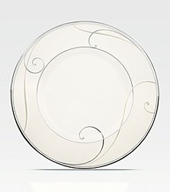 Noritake Platinum Wave Luncheon and Dessert Plate