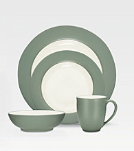Noritake Colorwave Green Rim 4-pc. Place Setting