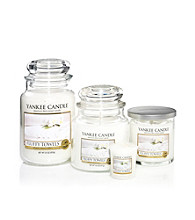 Yankee Candle® Housewarmer® Candle - Fluffy Towels