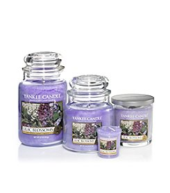 Yankee Candle® Housewarmer® Candle - Lilac Blossoms