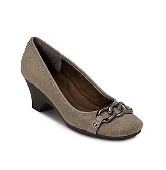 Homepage > shoes > aerosoles chaperone dress heel