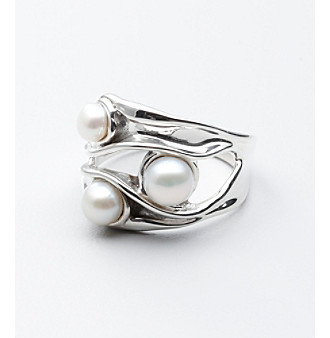 Hagit Gorali Sterling Silver Intrigue Pearl Ring