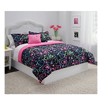 Tossed Hearts Comforter Set by LivingQuarters Kids