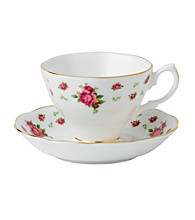 Royal Albert® New Country Roses White Vintage Teacup and Saucer Boxed Set