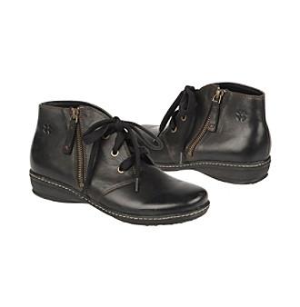 """Naturalizer® """"Medley"""" Chukka Boots"""