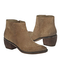 Naturalizer® Onset Ankle Boot