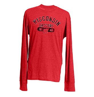 Support the Badgers on gameday in this sporty, vintage-inspired graphic tee, and show off your school spirit in style.