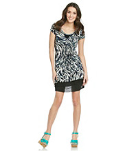 Kensie® Wavy Animal Printed T-Shirt Dress