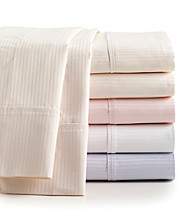 LivingQuarters Lux Hotel 600-Thread Count Wrinkle Resistant Sheet Set