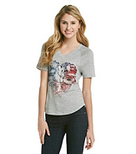 Mambo® Juniors' V-neck Dolman Heart Screen Tee