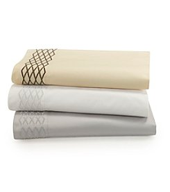 Waterford® Diamond Stitch 400-Thread Count Sheet Set