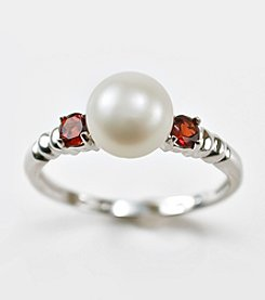 Freshwater Pearl and Garnet Ring