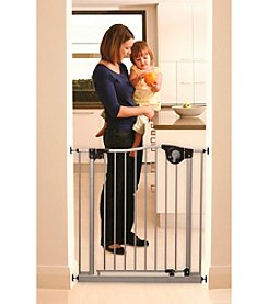 Dreambaby® Magnetic Sure Close Gate