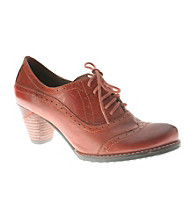 """Spring Step® """"Champagne"""" Casual Wing-tip Oxfords"""