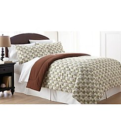 Shavel Home Products Micro Flannel® Pinecones Comforter Set