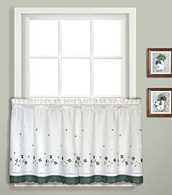 United Curtain Co. Gingham Window Treatment