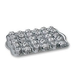 Nordic Ware® Bundt Tea Cakes and Candies Pan