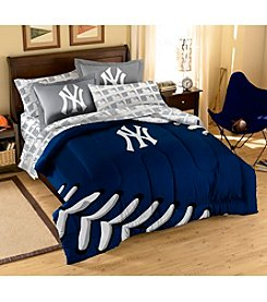 MLB® New York Yankees Comforter Set