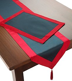 LivingQuarters Solid Red And Green Frame Table Linens