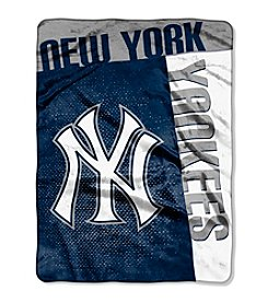New York Yankees Strike Raschel Throw