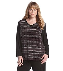 AGB® Plus Size V-Neck Print Top