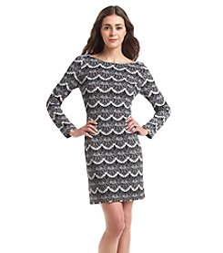 Jessica Howard® Petites' Scallop Lace Shift Dress
