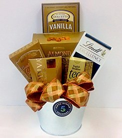 Fifth Avenue Gourmet Chocolate and Tea Gift Set