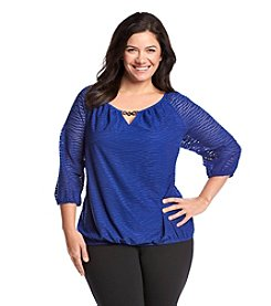 AGB® Plus Size Wavy Knit Top