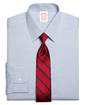 Traditional Fit Forward Point Collar Dress Shirt