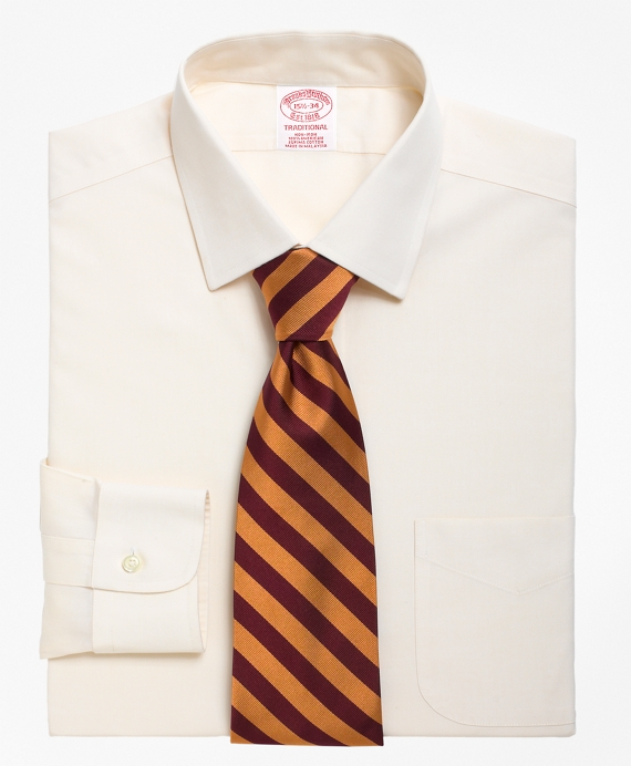 Traditional Relaxed-Fit Dress Shirt, Non-Iron Spread Collar