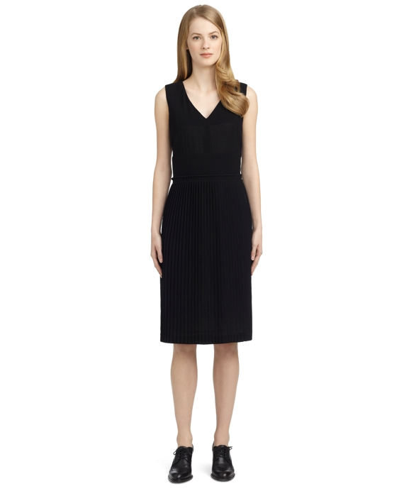 WOOL V-NECK PLEAT DRESS Black