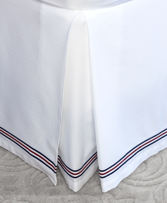 Herringbone King Bed Skirt White-Navy