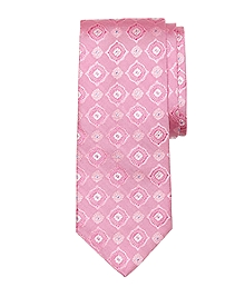 Alternating Spaced Medallion Tie
