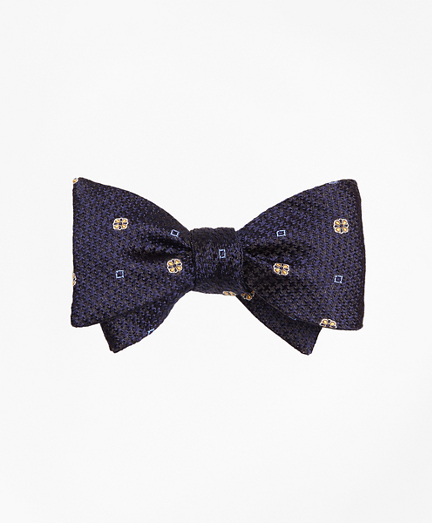 Houndstooth Medallion Bow Tie
