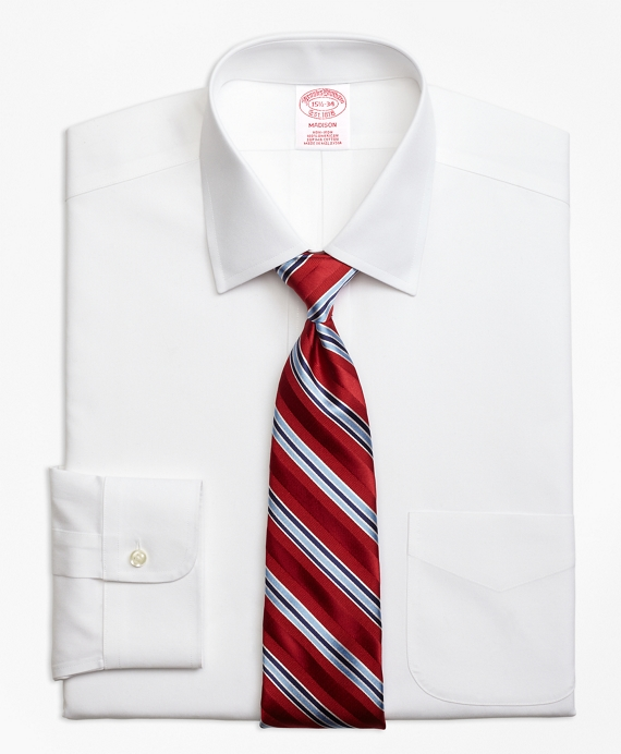 Non-Iron Madison Fit Spread Collar Stretch Dress Shirt