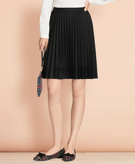 Lace-Trimmed Wool-Blend Pleated Skirt
