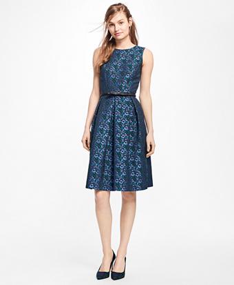 Sleeveless Floral Jacquard Pleated Dress
