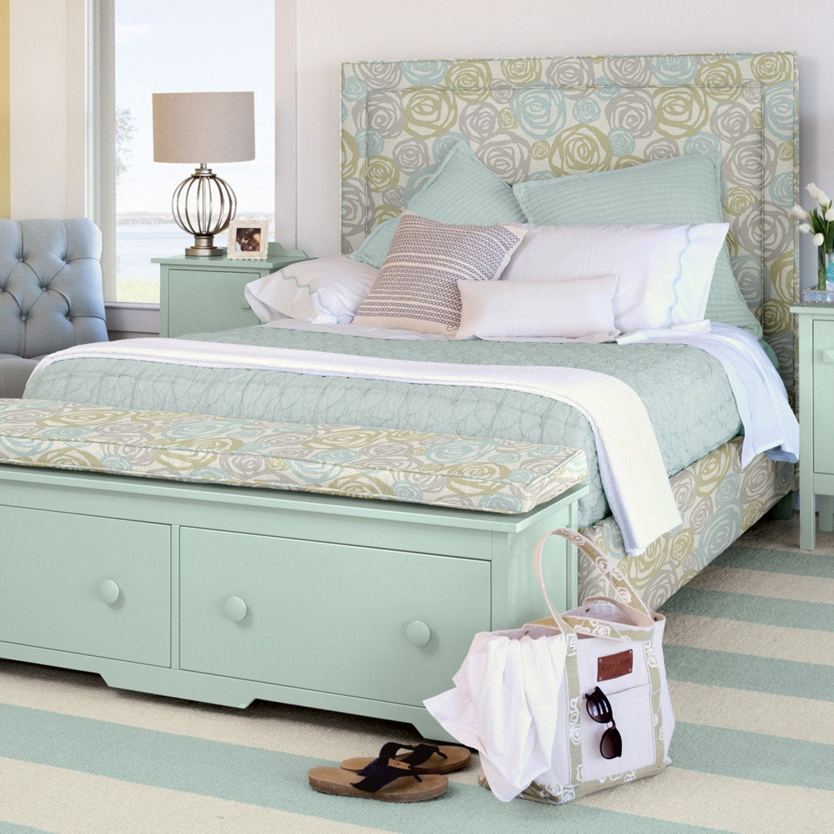 Annie Upholstered Bed - Queen