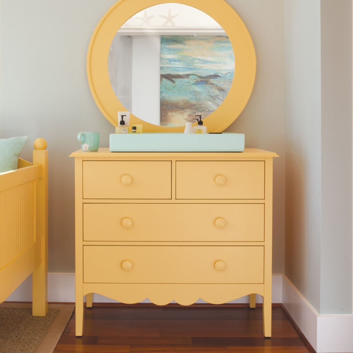 Nellie 2-Over-2-Dresser