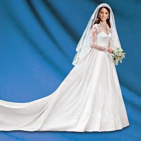 Quebec - La poupée à l'effigie de la Princesse Catherine vêtue de ...