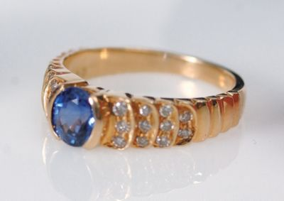 Women's Blue Sapphire & Diamond Pavé Ring - 18k Yellow Gold