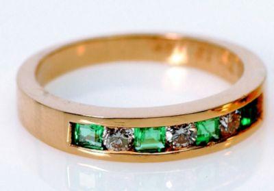 Women's Emerald & Diamond Stackable Ring - 18k Yellow Gold