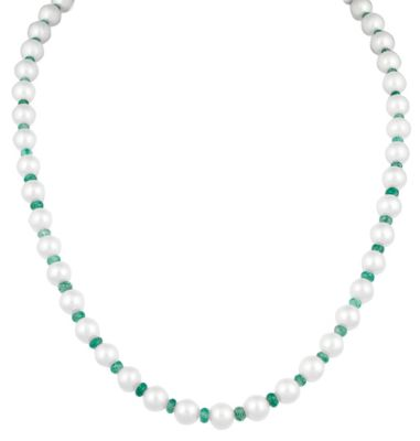 Pearl Necklace with Emeralds