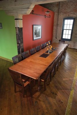 New England Montgomery Rectangular Dining Table