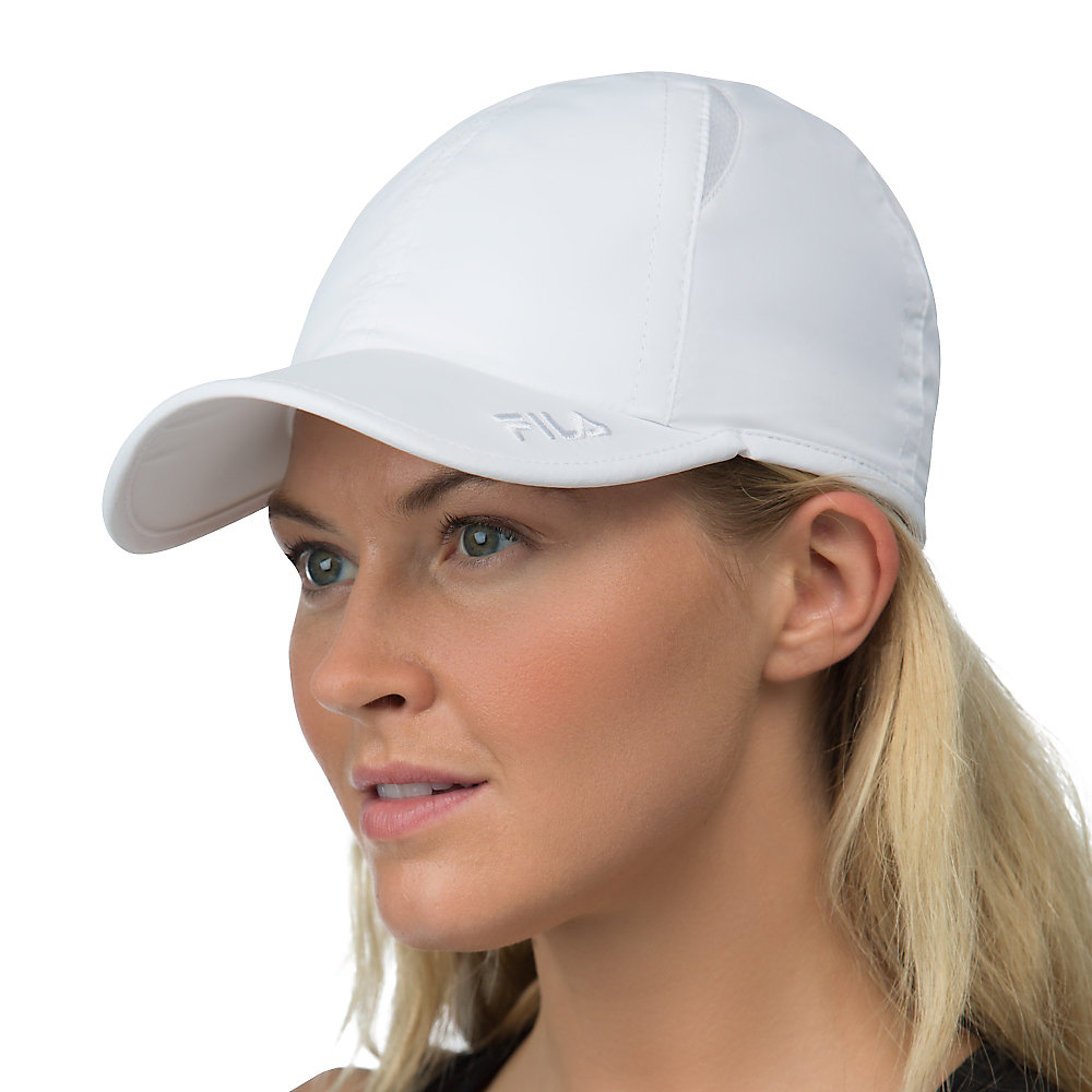 crestible cap in white