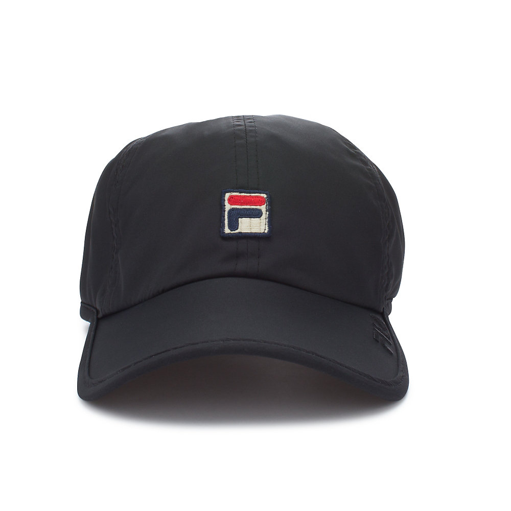 performance solid runner hat in black