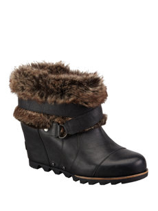 joan of arctic black ankle boot