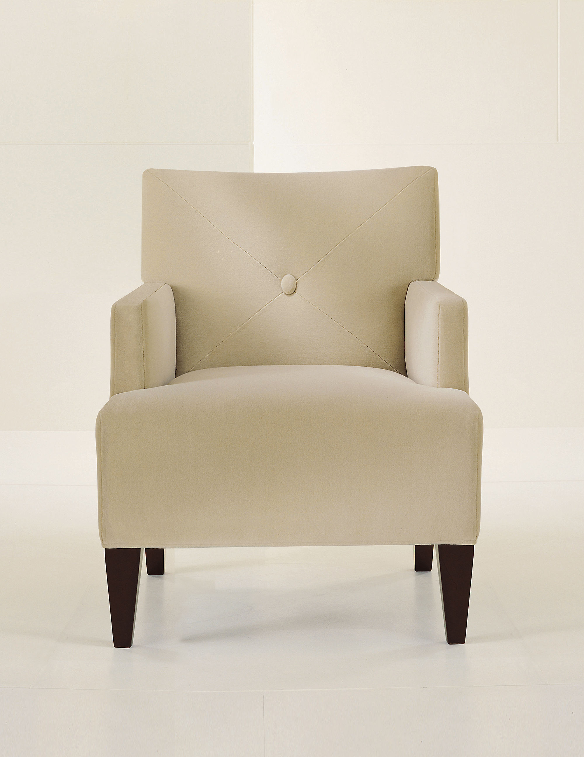 brentwood lounge chair with button back charlotte lounge chair 01
