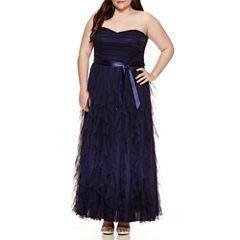 Social Code Sleeveless Ball Gown-Juniors Plus