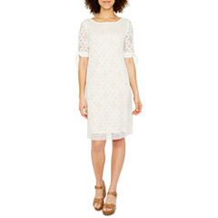 Ronni Nicole Short Sleeve Lace Shift Dress